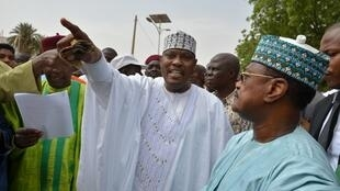 L'opposant Hama Amadou (centre) à Niamey au Niger, le 15 juin 2014.