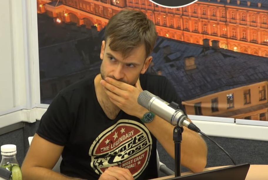Петр Верзилов в студии «Эха Москвы»