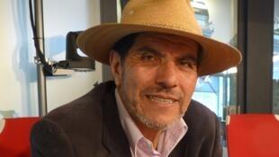 Juan Betancourt en los estudios de RFI