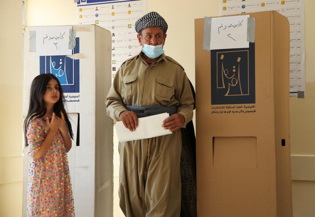 Elections législatives anticipées en Irak-Dans un bureau de vote