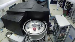 Sphere a été installé sur le très grand telescope européen, le VLT, qui est dans le désert du Chili.