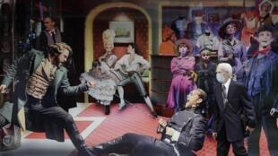 Un homme masqué pour se protéger du coronavirus passe devant une affiche de théâtre, à Londres.