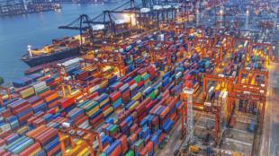 图为中国经济贸易报道图片