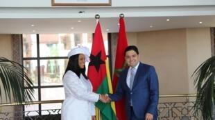 Suzi Barbosa, ministra dos Negócios Estrangeiros da Guiné Bissau com o seu homólogo marroquino Nasser Bourita