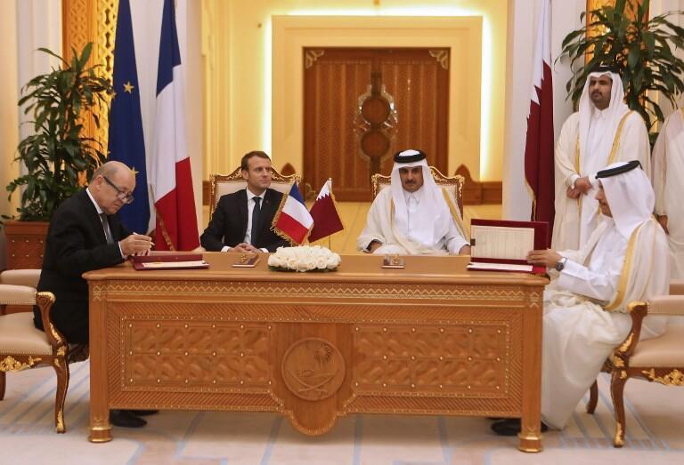 Shugaban Faransa Emmanuel Macron tare da Sarkin Qatar Sheikh Tamim bin Hamad al-Thani