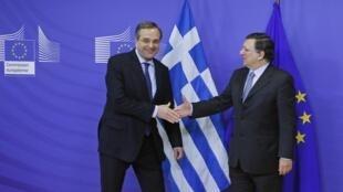O primeiro-ministro grego, Antonis Samaras, com o presidente da Comissão Europeia, Durão Barroso.