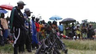 Wanamgambo wa FDLR wajisalimisha katika kijiji cha Kateku mashariki mwa DRC, Mei 30 mwaka 2014.