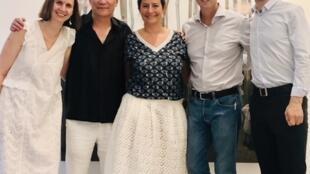 茹小凡從6月29日至8月30日在巴黎三區的RX畫廊舉行題為《一水之隔》(Passage)藝術個展