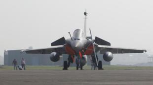Ảnh minh họa :Chiến đấu cơ Rafale mà New Delhi mua của Pháp trong kế hoạch hiện đại hóa Không quân. Ảnh tại căn cứ Ambala, Ấn Độ, ngày 10/09/2020.