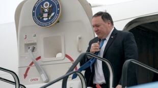 مایک پمپئو وزیر امور خارجۀ آمریکا برای شرکت در نشست ناتو وارد بروکسل شد