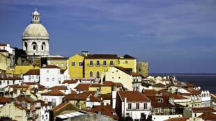Imagem do centro histórico de Lisboa, um dos pontos mais frequentados pelos turistas estrangeiros.