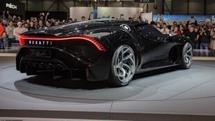 Mota mafi tsada a duniya da Cristiano Ronaldo ya saya kirar Bugatti.