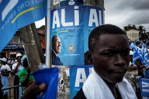 Apoiantes de Ali Bongo nas ruas de Libreville a 25 de agosto de 2016.