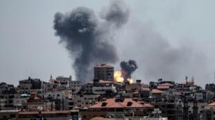 以色列對加沙哈馬斯武裝分子據點展開空襲