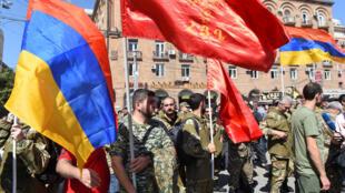 2020-09-27T095226Z_1355268214_RC2X6J9K2J9B_RTRMADP_3_ARMENIA-AZERBAIJAN