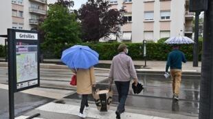 Le calme est revenu mercredi dans le quartier des Grésilles, à Dijon, théâtre de violences ces derniers jours.