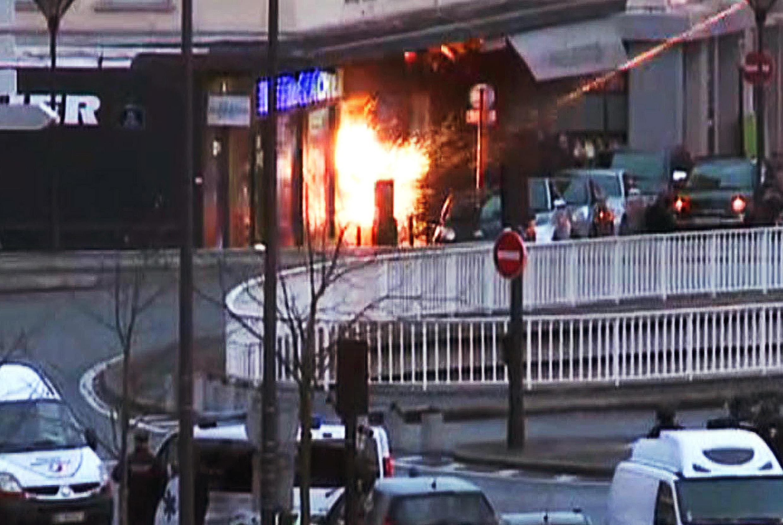 Les forces spéciales du Raid pendant l'assaut à l'épicerie casher porte de Vincennes.