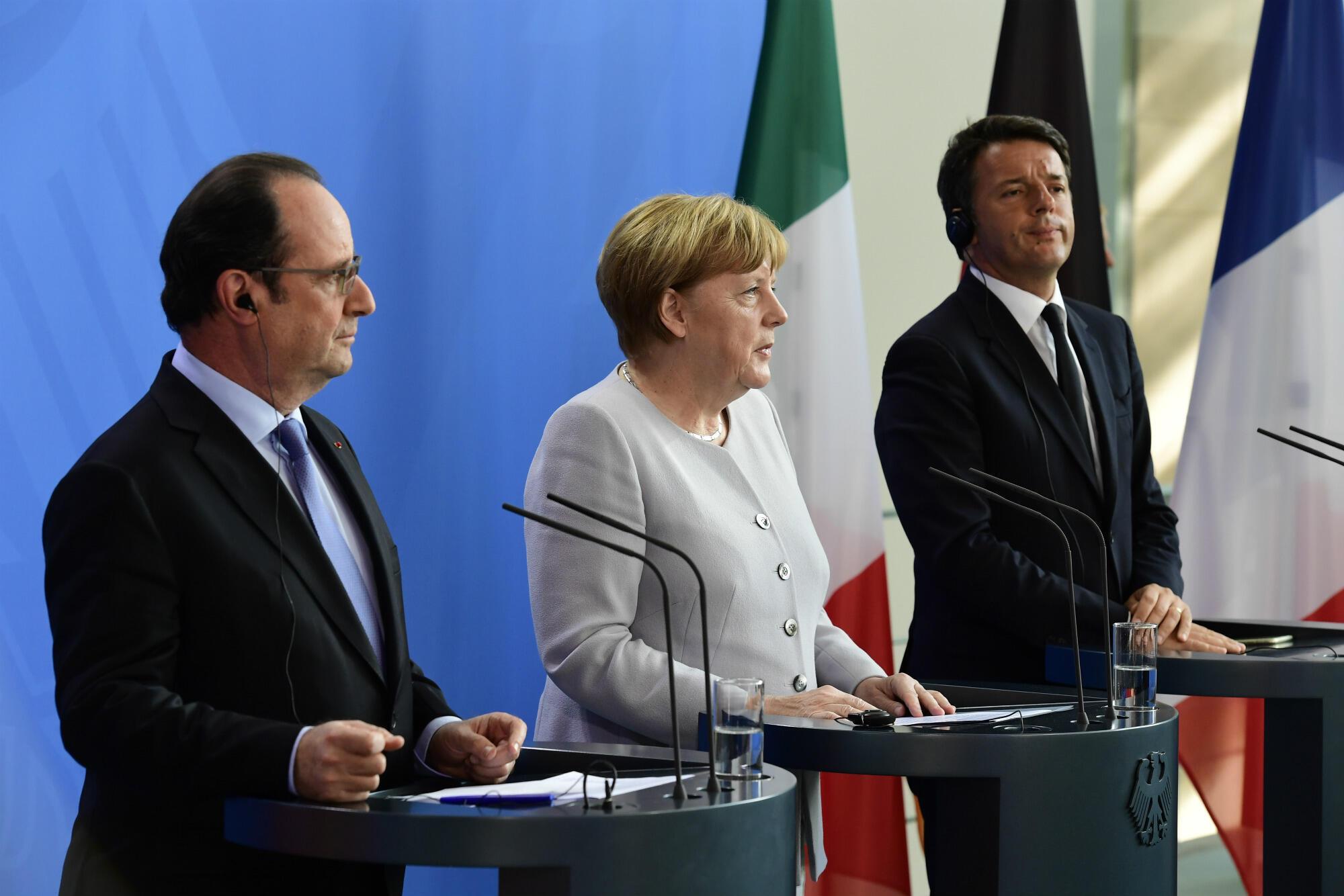 François Hollande, Angela Merkel et Matteo Renzi ont parlé d'une même voix, le 27 juin 2016 à Berlin, quatre jours après le Brexit.