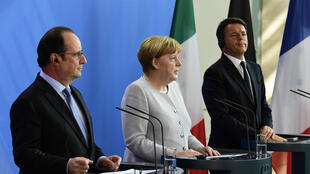 French President François Hollande (L), German Chancellor Angela Merkel (C) and Italian PM Matteo Renzi (R) in Berlin on 27 June
