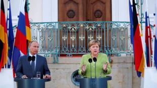 Владимир Путин и Ангела Меркель во дворце Мезеберга, 18 августа 2018 года
