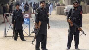 Police road block in Peshawar, Pakistan