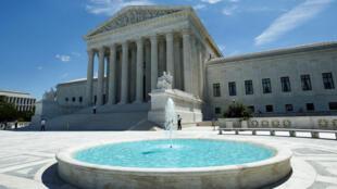 دادگاه عالی آمریکا در واشگتن.