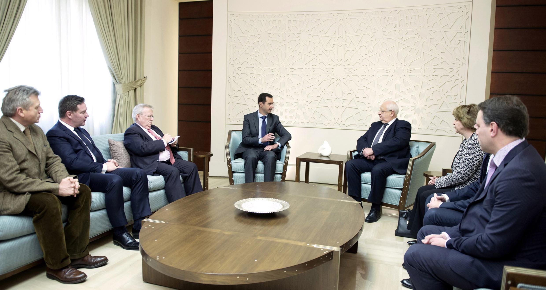 ٤ نفر نمایندگان پارلمان فرانسه در سفرشان به دمشق جهت دیدار با بشار اسد رئیس جمهوری سوریه. چهارشنبه ٦ اسفند/ ٢۵فوریه ٢٠١۵