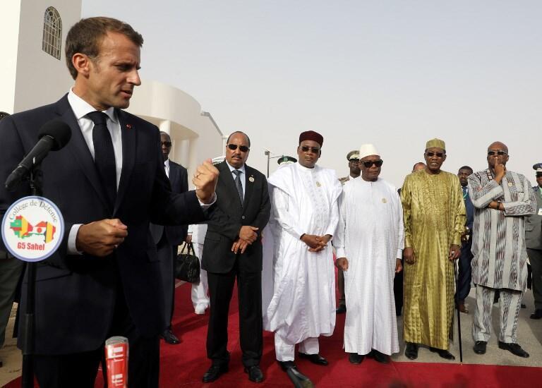 Rais wa Ufaransa Emmanuel Macron amemtaka mwenzake wa Nigeria Mahamadou Issoufou kukubaliana juu ya kuahirishwa kwa mkutano huo wa kilele (picha ya kumbukumbu).