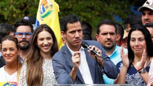 Lãnh tụ đối lập, chủ tịch Quốc hội Venezuela, Juan Guaido phát biểu với những người ủng hộ tại Caracas ngày 26/01/2019.