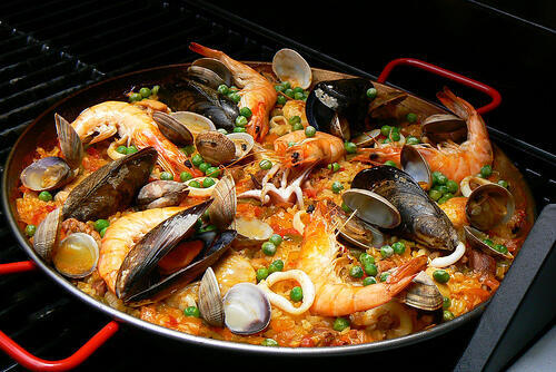Cơm thập cẩm Paella, món quốc hồn quốc túy của Tây Ban Nha - DR