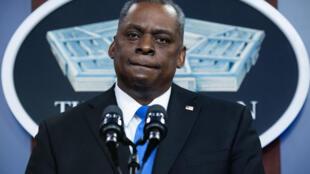 El secretario de Defensa, Lloyd Austin, da un discurso  en el Pentágono el 10 de febrero de 2021