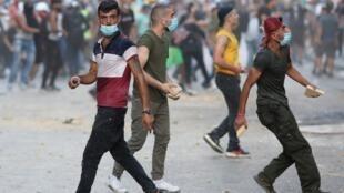 Dans les rues de Beyrouth, les manifestants étaient de retour dimanche 9 août 2020.