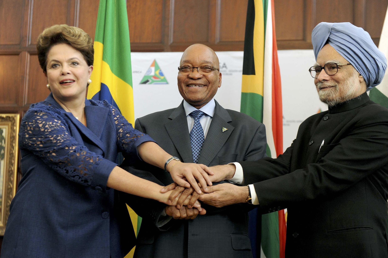 Dilma Rousseff com o indiano Manmohan Singh e o sul-africano Jacob Zuma.