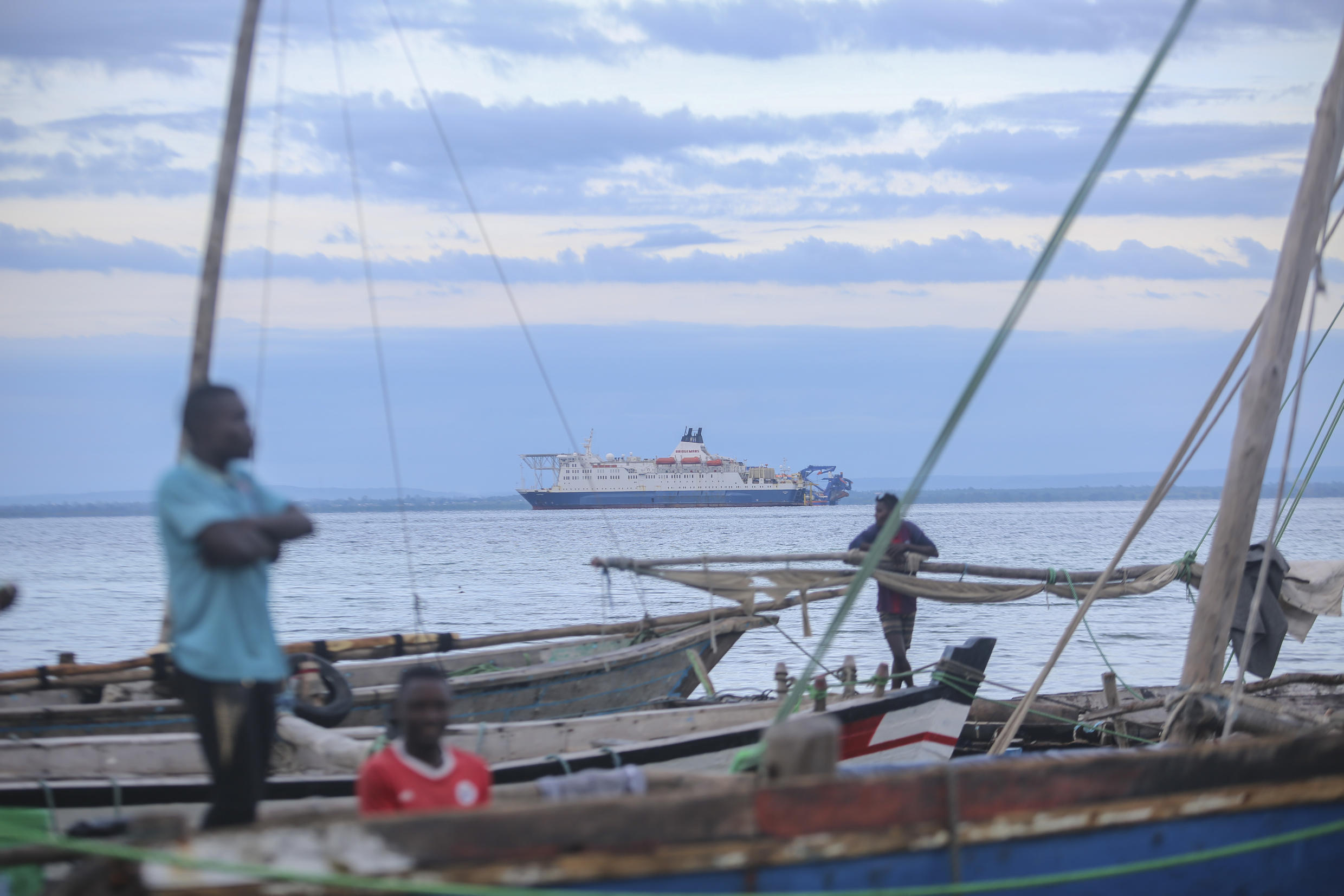 A few dozen people have managed to reach Pemba on their own in addition to around 1,400 ferried to the port by Total