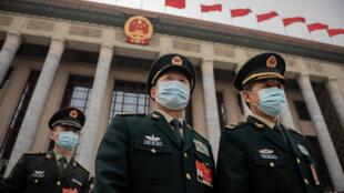 chine-pekin-assemblee-nationale-police