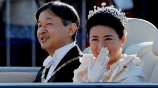 """日本天皇11月10日舉行了向國民表明即位的""""祝賀禦列之儀""""巡遊"""