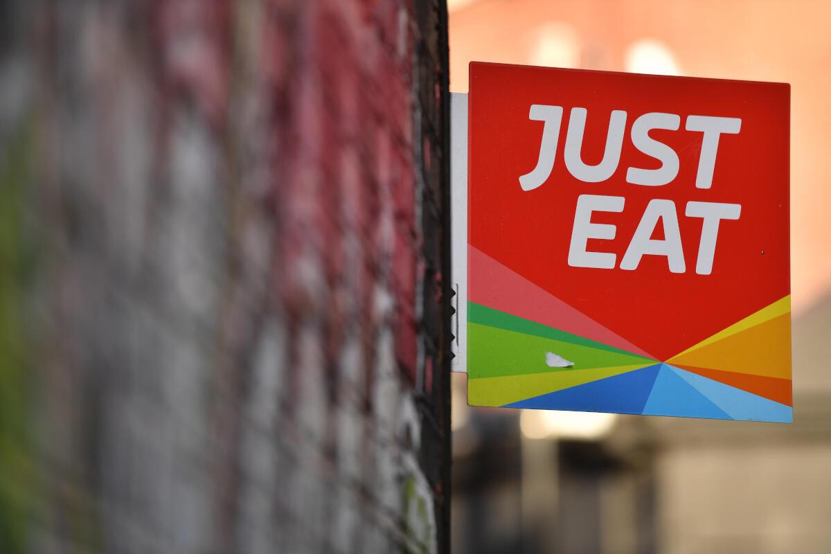 Just Eat et Takeaway.com ont annoncé le lundi 29 juillet 2019 qu'ils allaient fusionner.