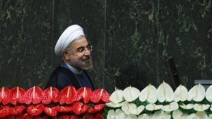 O novo presidente iraniano, Hassan Rohani, chega para tomar posse no domingo, 4 de agosto de 2013, em Teerã.