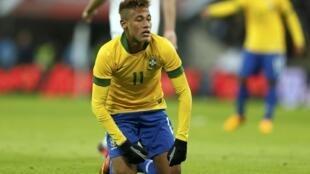 Neymar reconheceu o fraco desempenho no amistoso contra a Inglaterra nesta quarta-feira, 6 de fevereiro de 2013.