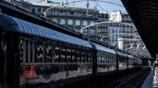 Los vagones art déco del Orient-Express, en la Estación del Este de París, el 13 de mayo de 2019