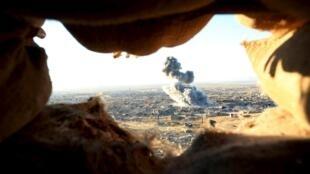 Đồng minh không kích quân tổ chức Nhà nước Hồi giáo tại Sinjar ngày 12/11/2015.