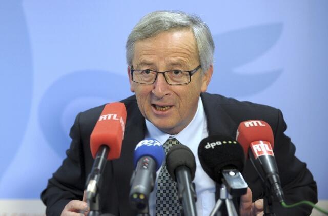 O primeiro-ministro de Luxemburgo, Jean-Claude Juncker, pede demissão.