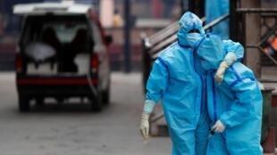 Le nombre de contaminations a explosé à New Delhi, poussant l'État de l'Uttar Pradesh a fermé ses frontières avec la capitale.