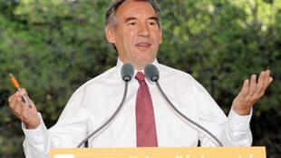 Le président du MoDem, François Bayrou, en discours de clôture de l'université d'été de son parti à La Grande-Motte, le 6 septembre 2009.