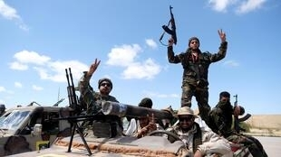 Des membres de l'Armée nationale libyenne, à Benghazi, le 7 avril 2019.