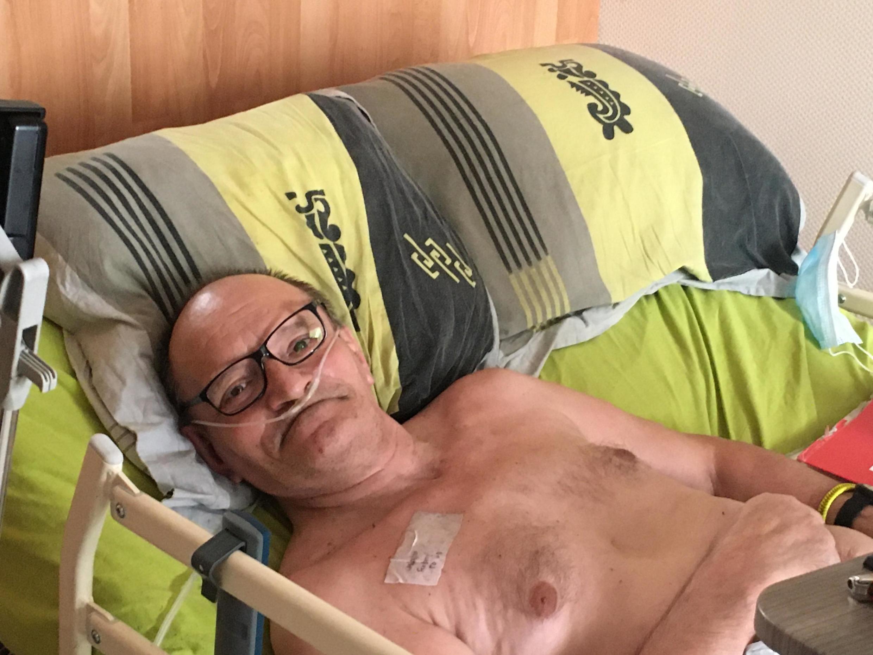 """Alain Cocq, 57 anos, pediu o direito a uma sedação profunda para """"morrer em paz"""", mas presidente Emmanuel Macron não atendeu à solicitação."""