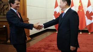 图为加拿大总理特鲁多在北京会见中国国家主席习近平