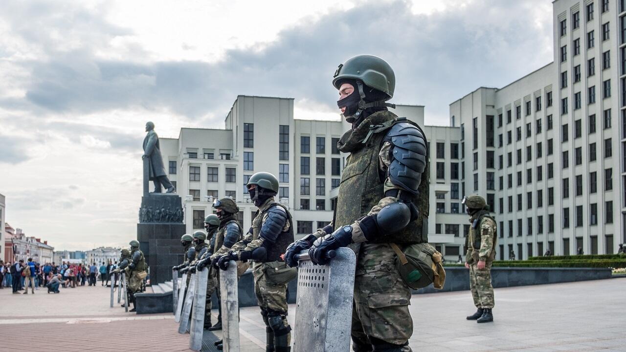 Оцепление перед Домом правительства. Минск, август 2020 г.