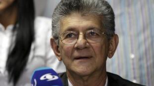 Henry Ramos Allup, 72 años de edad, líder de Acción Democrática (AD), fue elegido este 4 de enero por la mayoría opositora para presidir el parlamento venezolano.