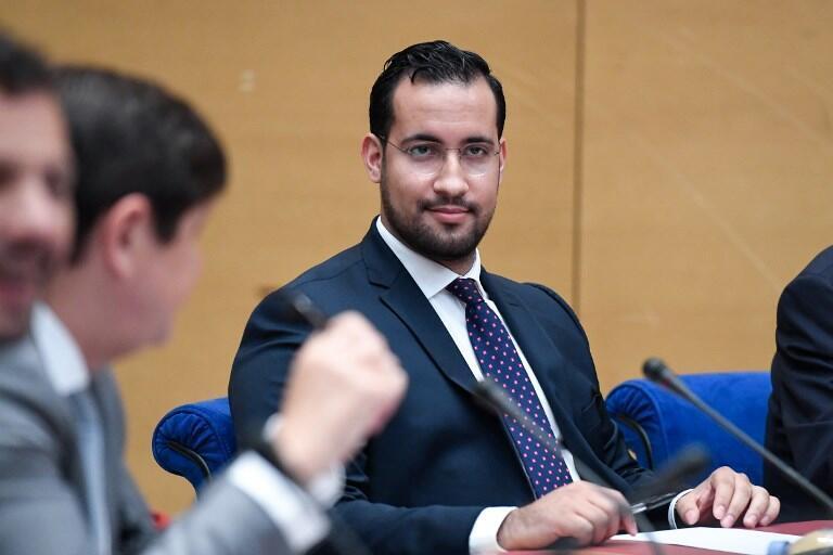 Alexandre Benalla, nguyên cộng sự viên của tổng thống Pháp Macron, điều trần tại Thượng Viện vào tháng 9/2018.